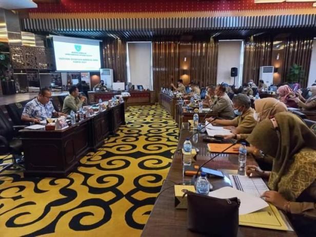 Suasana hearing Komisi III DPRD Pessel berjalan lancar bersama OPD mitra kerja