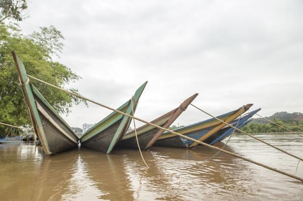 Tempek, alat transportasi tradisional yang digunakan warga untuk beraktivitas di sepanjang sungai Batang Hari