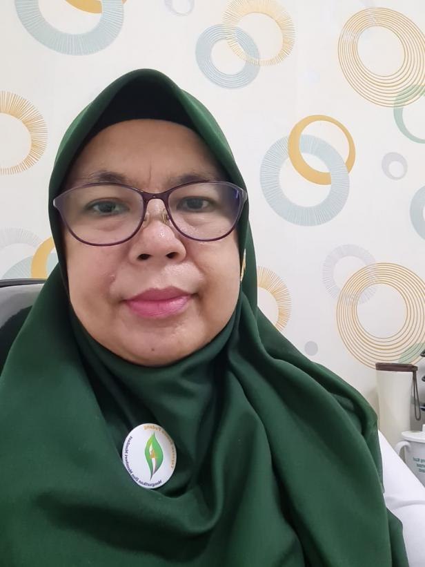 Kepala Klinik Semen Padang By Pass, dr. Essy Harlianty, MARS