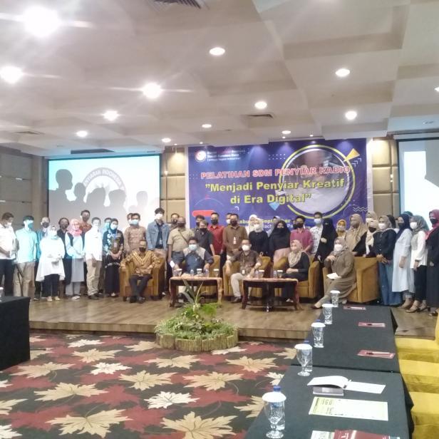 Pelatihan penyiar oleh KPID yang diikuti oleh lebih kurang 50 penyiar se Sumatera Barat