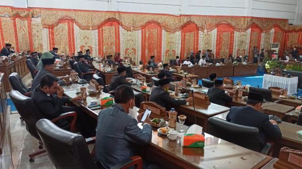 Rapat Paripurna Anggota DPRD Pasaman Barat