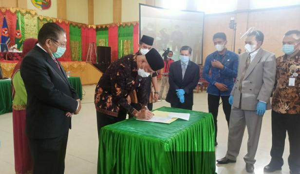 Penandatanganan kesepakatan antara UMMY Solok dan Pemerintah Provinsi Sumatra Barat