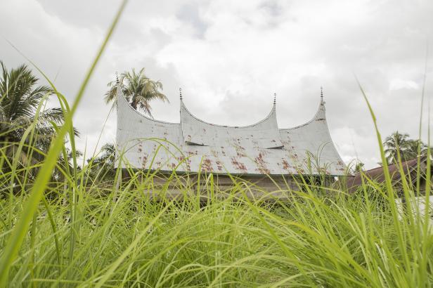 Rumah Adar Raja Koto Besar, salah satu dari Kerajaan Tertua yang masih berdiri di Dharmasraya hingga hari ini