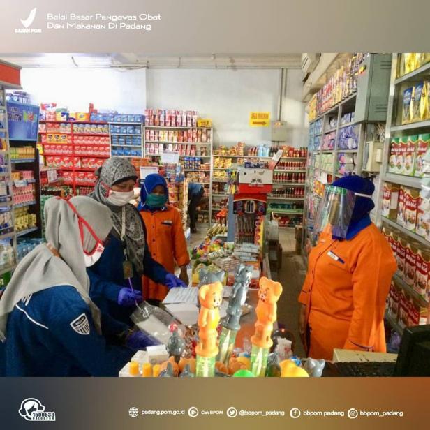 Pemeriksaan keamanan makanan yang beredar oleh BBPOM di Padang