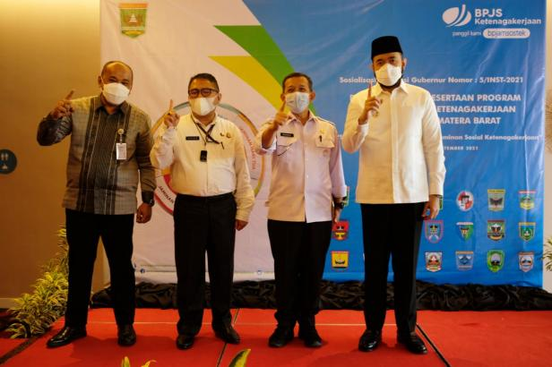 Walikota Padang Panjang bersama pihak BPJS Ketenagakerjaan