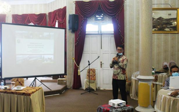 Kepala Dinas Pariwisata dan Kebudayaan Kabupaten Solok, Nasripul Romika menyampaikan Ekspos pengembangan pariwisata kabupaten Solok