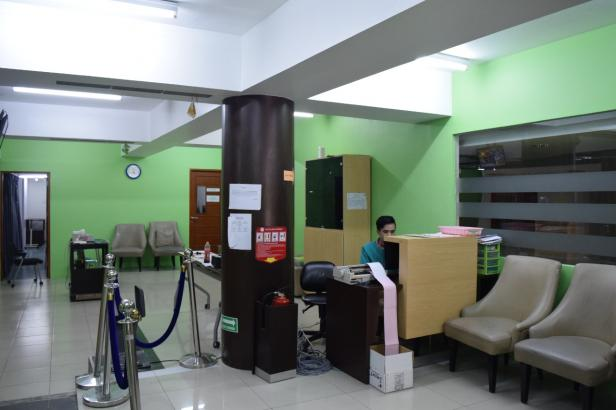 Suasana dalam Ruangan Fisioterapi di Semen Padang Hospital