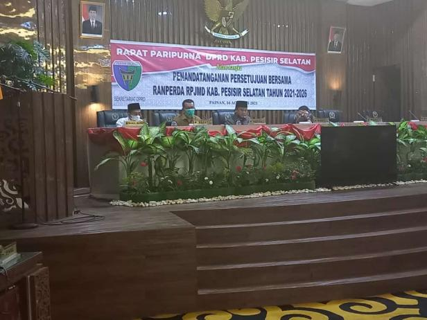 Rapat Paripurna DPRD Kabupaten Pesisir Selatan