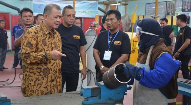 Wakil Gubernur Sumbar Nasrul Abit mengunjungi BLK Padang