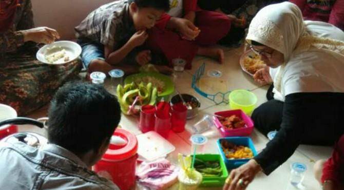 Tradisi Makan Bajamba Sambut Ramadan