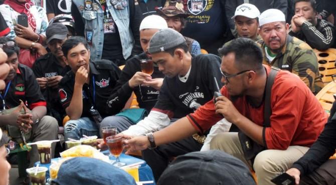 UAS diserbu masyarakat yang berada di sekitar Lapangan Kantin Bukittinggi, Sabtu (09/11/2019)