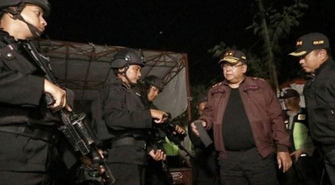 Kapolda Jatim Irjen Pol Luki Hermawan melakukan sidak di PPK Sukolilo, Surabaya, Sabtu (20/4/2019).