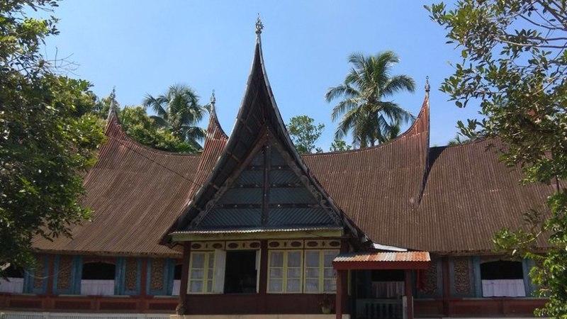 Cagar Budaya Rumah Gadang Baanjuang Nur Sutan Iskandar di Sungai Batang, Kecamatan Tanjung Raya, Kabupaten Agam