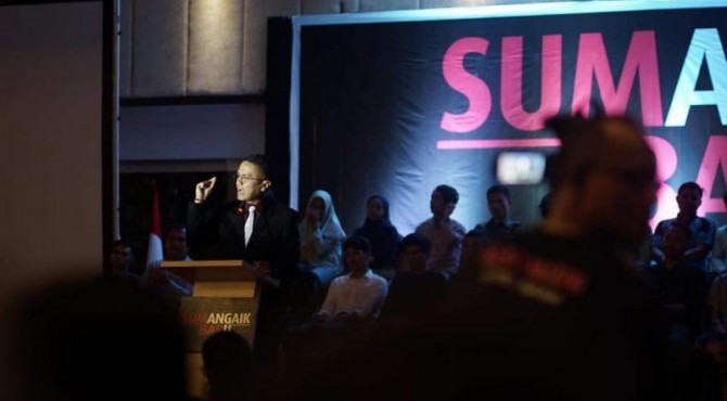 Ketua DPW PSI Sumbar Faldo Maldini saat oransi politik