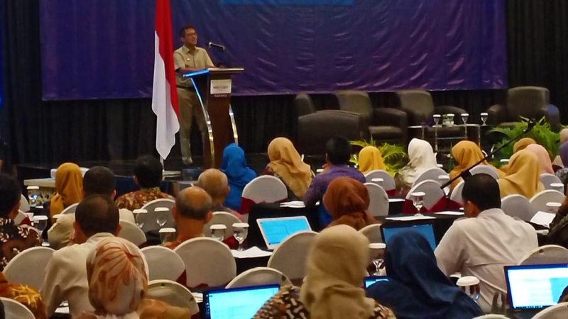 Gubernur Sumbar Irwan Prayitno berbicara dalam Seminar Jabatan Fungsional Perencana 2019