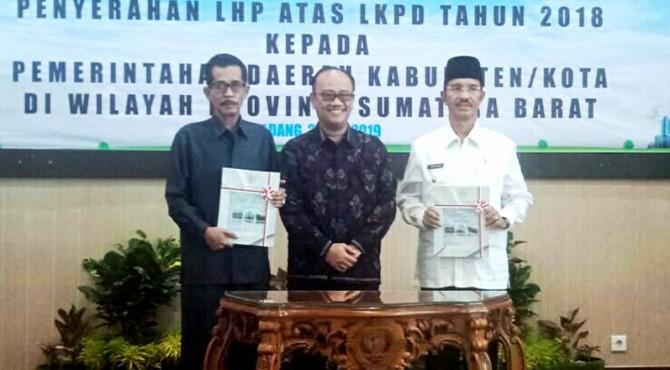 Pemkab Pasaman menerima predikat opini WTP dalam evaluasi penilaian Laporan Keuangan Pemerintah Daerah (LKPD) 2018.