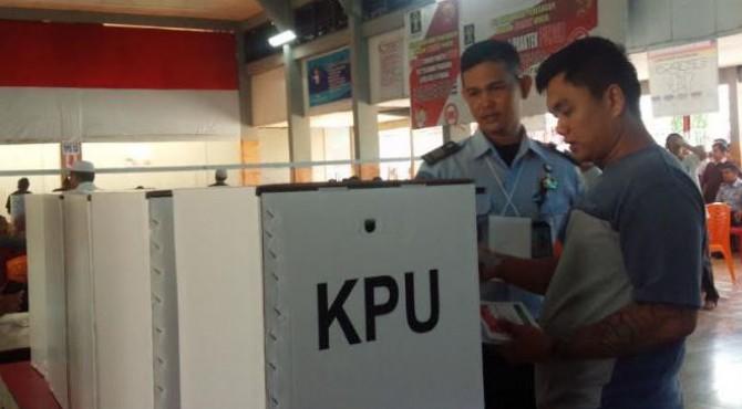 Warga binaan di Lapas Muara Padang gunakan hak pilih pada pemilu 2019
