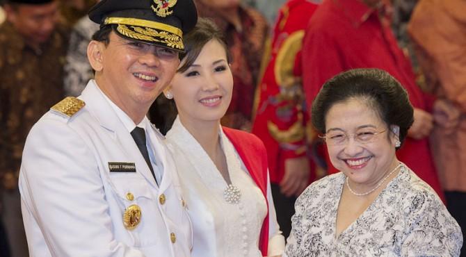 Basuki Tjahaja Purna dan Ketua Umum PDI-P Megawati Soekarnoputri