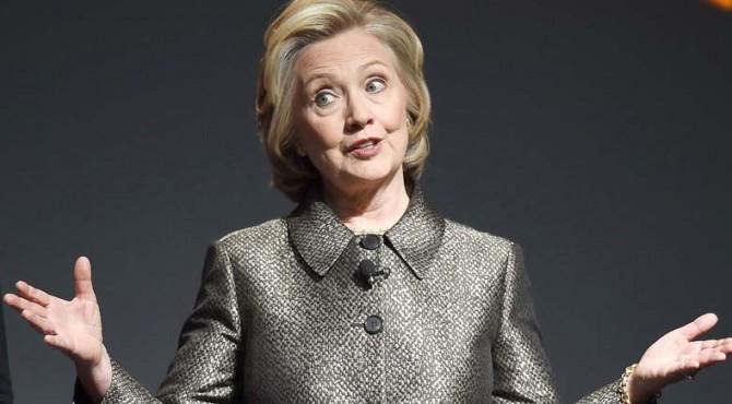 Untuk maju sebagai calon presiden Hillary masih bersaing dengan Senator Bernie Sanders