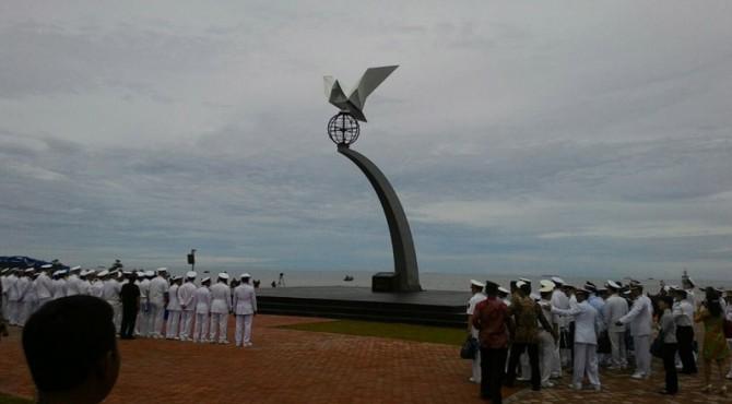 Monumen Merpati Perdamaian di Muaro Lasak.