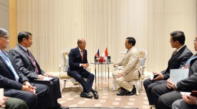 Menteri Pertahanan Republik Indonesia H. Prabowo Subianto bertemu dengan Menhan Filipina