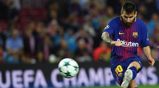 Lionel Messi, menyumbang satu gol saat  Barcelona mengalahkan Olympiacos, gol ini menjadi gol ke-100 Messi di kompetesi antarklub Eropa