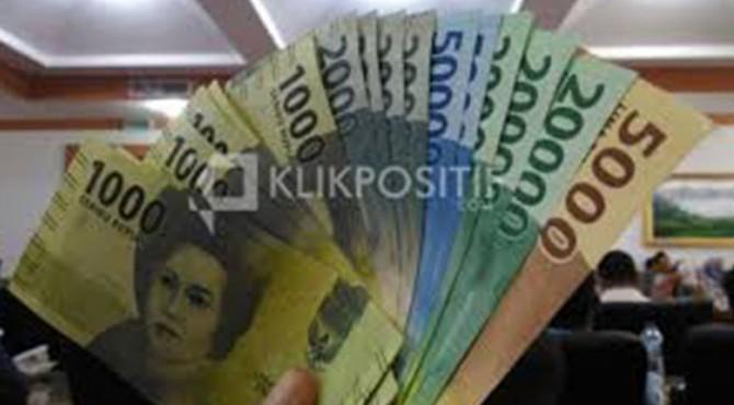 Kementerian Keuangan memastikan pemberian Tunjangan Hari Raya (THR) bagi aparatur sipil negara (ASN) dan pensiunan akan dibayarkan sesuai jadwal yakni, Mei 2019.