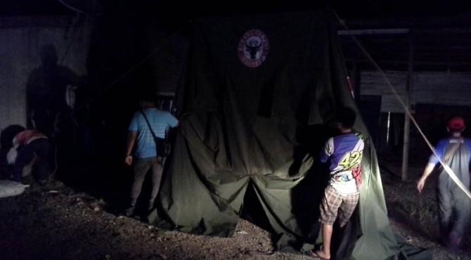 Petugas TRC bersama RAPI dan KSB Lubuk Kilangan mendirikan posko kesehatan di Padang Besi