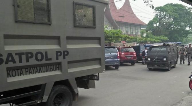 Mobil hijet 1000 yang disita Satpol PP Payakumbuh.