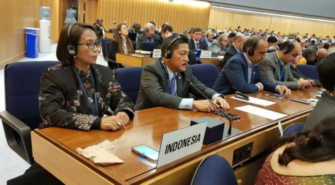 Wakil Seskab Ratih Nurdiati mewakili Delegasi RI mengikusi sidang IMO, di London, Inggris, Jumat (29/11).