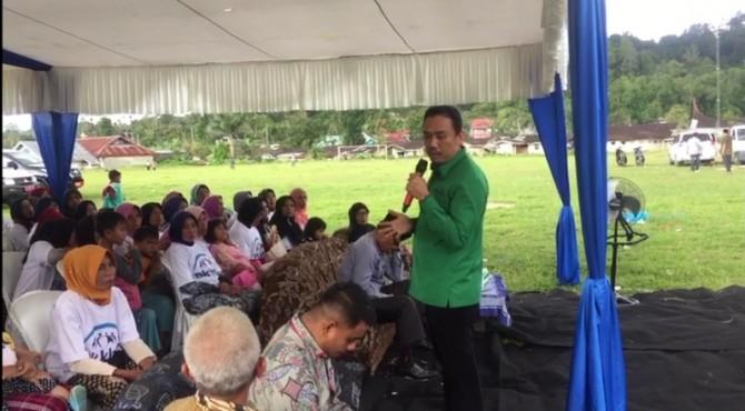 Anggota Komisi IX DPR RI, Muhammad Iqbal saat sosialisasi program KKBPK di Kecamatan Matur, Agam, Jumat, 5 April 2019