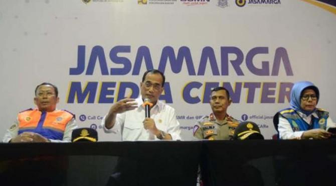 Menteri Perhubungan Budi Karya Sumadi membeberkan beberapa strategi yang disiapkan oleh Kemenhub bersama dengan stakeholder terkait untuk mengantisipasi kepadatan kendaraan pada arus balik.