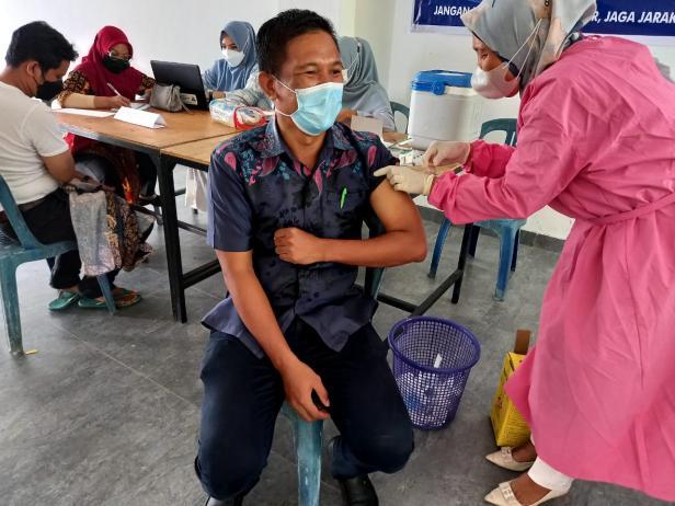 Vaksinasi Covid-19 di Lingkup Setdakab Pessel