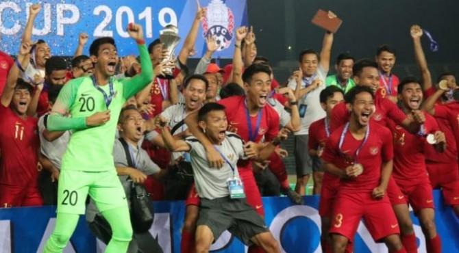 Timnas Indonesia U-22 meraih gelar juara turnamen AFF u22