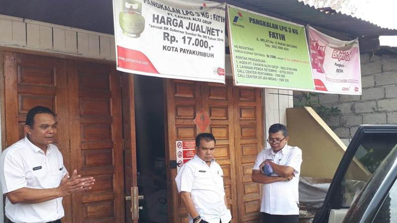 Monitoring Pemko Payakumbuh ke pangkalan gas elpiji 3 kg.