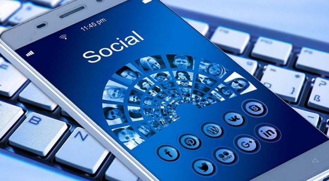 Caprine, Facebook Messenger dengan Beragam Fitur Menarik