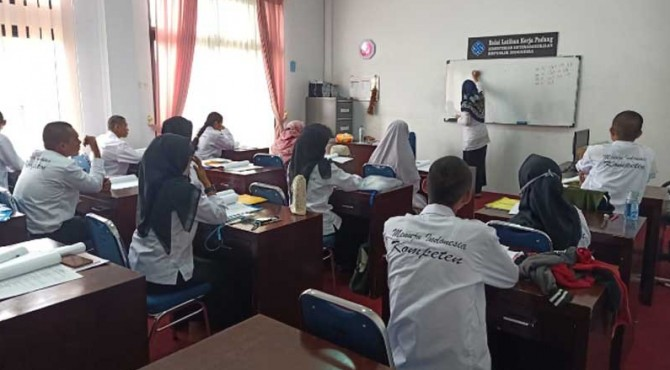 Proses Pelatihan Jurusan Bahasa Jepang di BLK Padang.