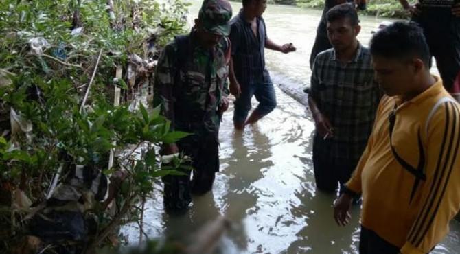 Jasad korban Baringin Sagala saat ditemukan Tim SAR gabungan di pinggir Sungai Batang Siduampan