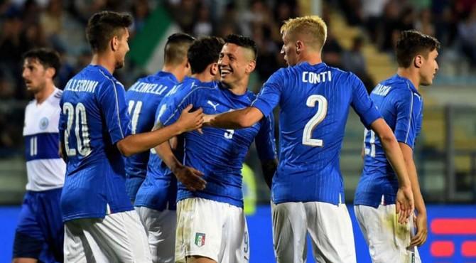 Para pemain Italia meluapkan kemenangan mereka usai menaklukkan San Marino 8-0.