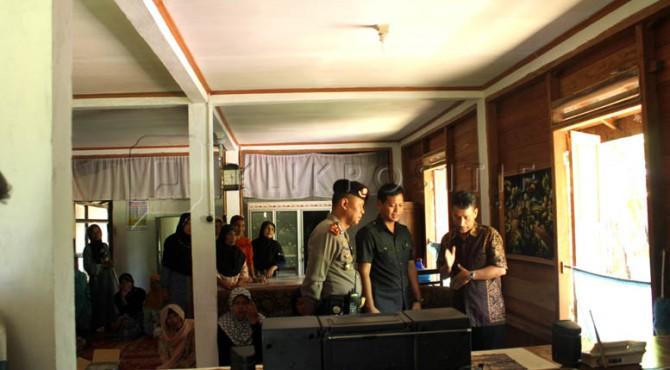 Suasana rumah duka di kawasan Jambak Kecamatan IV Koto Agam, Kamis (14/04/2016)