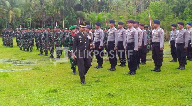 Upacara HUT TNI di Salah Satu Perkampungan Warga di Pessel
