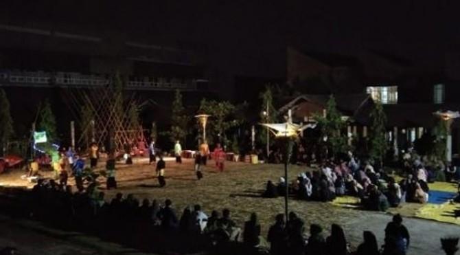 Pertunjukan Randai pada acara ulang tahun Bengkel Seni Tradisional Minangkabau ke20