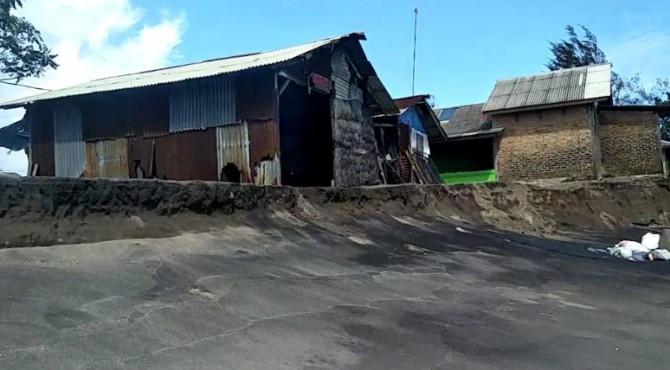 Perkampungan Nelayan di Kawasan Pasir Baru, Kecamatan Sungai Limau kembali