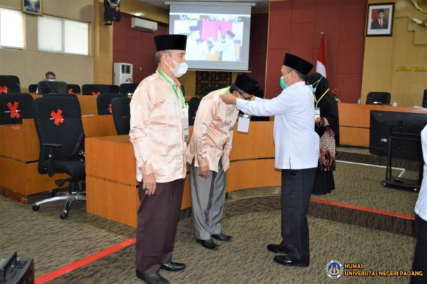 Universitas Negeri Padang (UNP) menggelar pembukaan Musabaqah Tilawatil Quran Mahasiswa (MTQ-M) tahun 2021 tingkat UNP, Senin, 24 Mei 2021