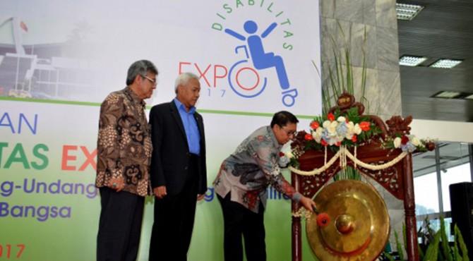 Wakil Ketua DPR RI Fadli Zon saat membuka acara Disabilitas Expo 2017