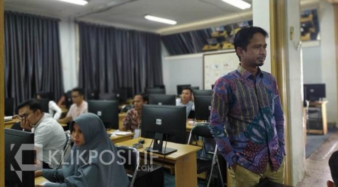 Pelaksanaan tes tertulis calon Panwascam Kabupaten Limapuluh Kota, Sabtu (14/12) lalu.