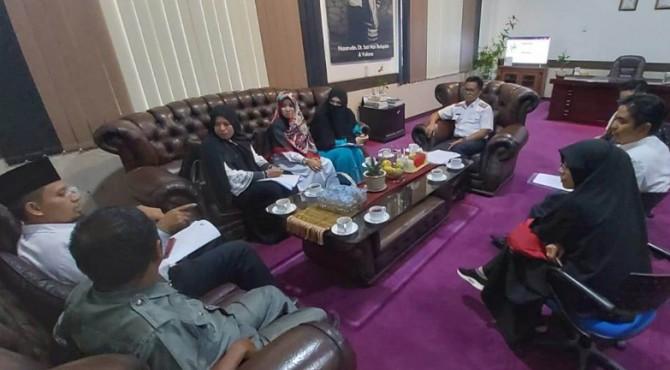 Wakil Wali Kota Payakumbuh, Erwin Yunaz saat melakukan audiensi terkait Perda Ketahanan Keluarga.