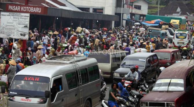 Kemacetan di kawasan Koto Baru