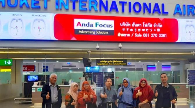 Tim Dosen Pertanian UMMY Solok saat mendarat di Phuket, Thailand