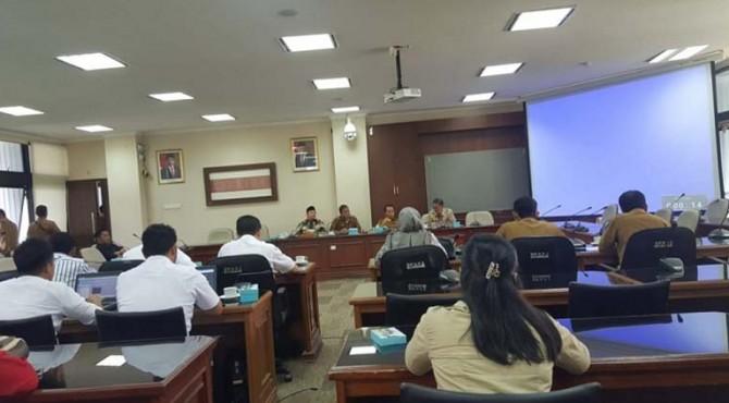 Komsi III DPRD Sumbar memanggil pihak PT. Pertamina untuk menindaklanjuti keresahan masyarakat tersebut. DPRD Sumbar menyoroti soal kelangkaan solar